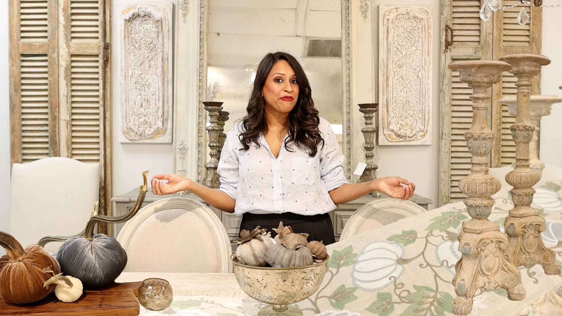 Learn how to decorate a simple farmhouse fall table with interior designer, Amitha Verma, that includes the fall decor trends of 2021.